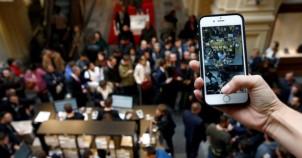 iPhone 7 Moskova'da mahşeri kalabalık oluşturdu