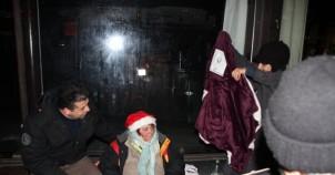 UETD'den Stockholm'deki evsizlere yardım