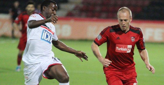 Akhisar Belediyespor İsveçli Larsson'u transfer etti