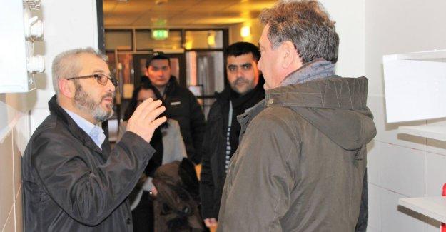 Büyükelçi Türkmen, Bredeng Mescidi'nin son durumu hakkında bilgi aldı