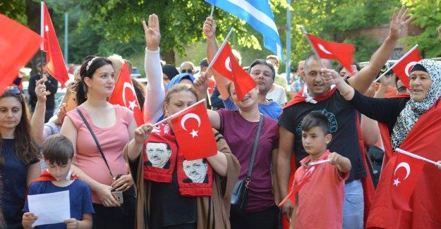 Darbe Girişimi İsveç'te Protesto Edildi