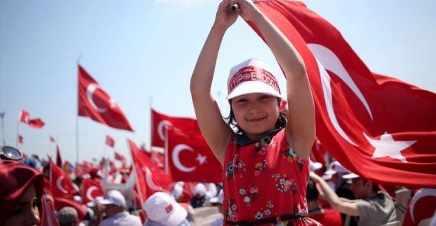 Demokrasi ve Şehitler Mitingi dünya basınında!
