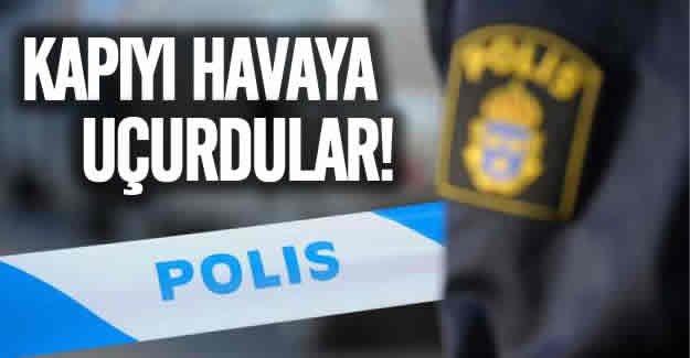 İsveç'te kapı patlattılar