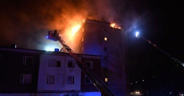 Rinkeby'de bir binada çıkan yangın korkuttu