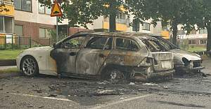 Fittja'da bir çok araç kundaklandı