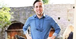 İsveç Anamuhalefet Partisi Gençlik Kolları Başkanlığına Türk Asıllı Politikacı Seçildi