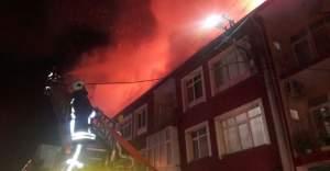 Kulu Çarşı Merkezinde Korkutan Yangın