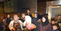 IGMG Hacıları Stockholm'de Güllerle Karşılandı