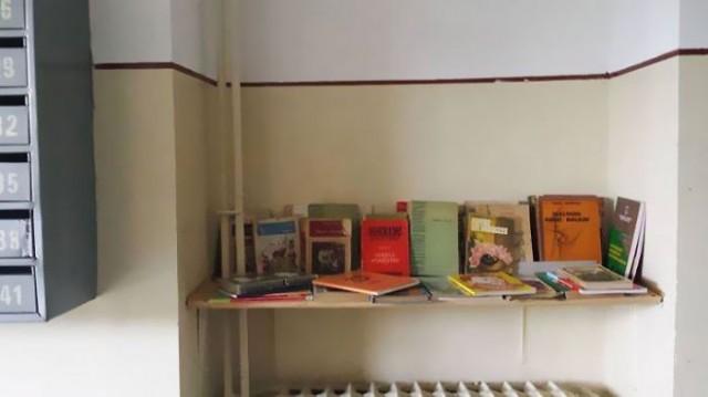 """""""Bulunduğum şehirde ve hatta tüm ülkede başkaları da kendi 'Komşu Kütüphanelerini' hayata geçiriyorlar"""""""