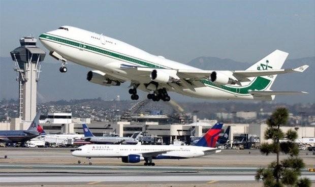 9. BOEING 747-400 CUSTOM – 220 milyon dolar