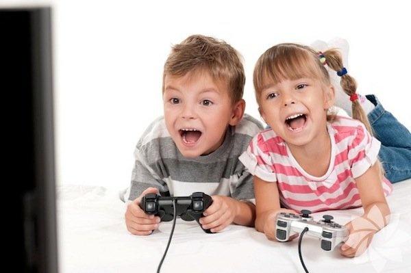 Video oyunları   Video oyunları kötü üne sahip. Evet, pek çoğu şiddet içerikli, askeri ve düşüncesiz ama stratejik düşünce ve planlama becerileri kazandıranlar da var ve bunlar takım çalışması ve yaratıcılığı besliyorlar. Araştırmalra göre, video oyunları oynayan çocuklar görsel ipuçları toplamak ve bunları değerlendirmek konusunda da oynamayanlara göre çok daha başarılı.  Kaynak: HT-Hayat