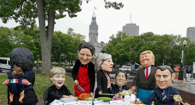 Dünyanın en büyük ekonomisine sahip yedi ülkenin liderlerinin katıldığı G7 Zirvesi, bugün Kanada'da başlıyor. Göstericiler, zirvenin yapılacağı alanda protestolara başladı.