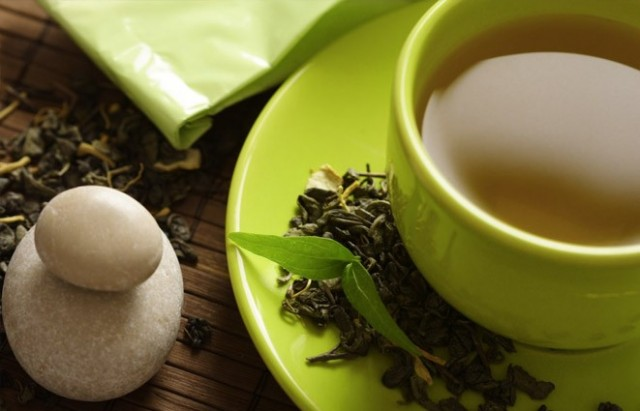 KANSER ÖNLEME   Bazı çalışmalarda yeşil çayın kanser hücrelerini ortadan kaldırmaya yardımcı olabileceğini öne sürülmektedir.