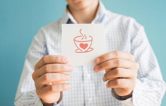 AZALMIŞ KALP RAHATSIZLIĞI RİSKİ   Yeşil çay, kalp krizinin bir numaralı nedeni olan pıhtı oluşumu ve kan basıncındaki değişimlere karşı koruyucu olan kan damarlarının dayanıklılığının artması desteklemektedir.