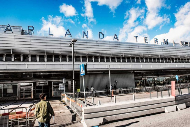 Çin'in Makau havalimanından havalanarak Londra'ya gitmesi gereken uçak teknik hata nedeniyle Stockholm Arlanda havalimanına indi.
