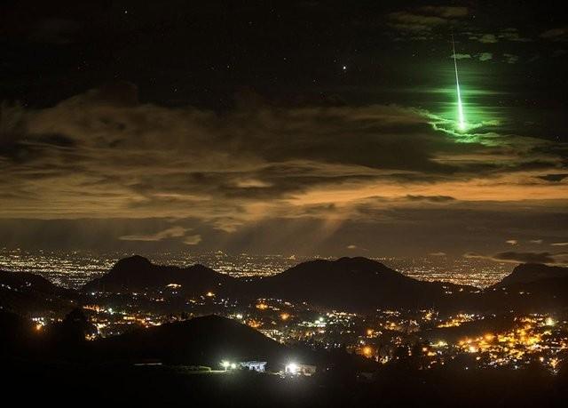 Manzara Kategorisi Onur Ödülü, Pransenjeet Yadav Yeşil Meteor Hindistan'daki Sky Adaları'nın üzerinde...