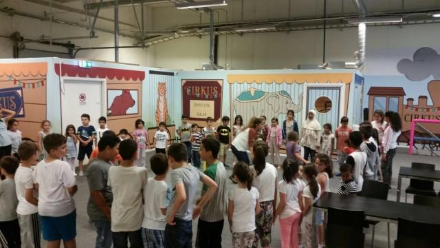 İsveç Milli Görüş Eğitim Başkanlığı'nın organize ettiği Ramazan eğlencesine onlarca çocuk katıldı.