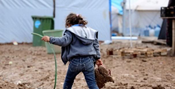 9-ORTADOĞU'DA KAÇ ÇOCUK OKULA GİDEMİYOR? Ortadoğu ülkelerindeki şiddet ortamı nedeniyle tam 15 milyon çocuk okula gidemiyor.