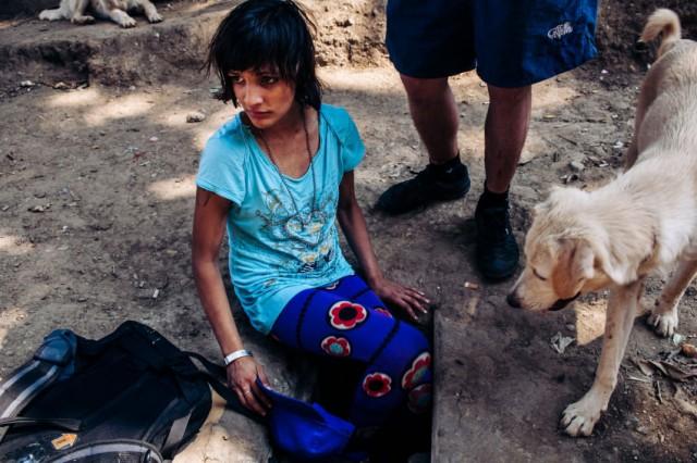 Catalina, 12 yaşında, Bükreş sokaklarının altında bulunan bir tünelde yaşamaya başlamış.