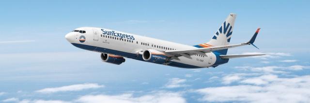 Dış hat uçuşlarımızın, söz konusu iptallerden etkilenmeyeceğini bildirmek isteriz. İlgili uçuşlarımıza bileti bulunan yolcularımıza, ücretsiz yeniden rezervasyon imkânı sunuyoruz.  Uçuşunuzun mevcut durumdan etkilenmesi durumunda sizlerle en kısa sürede iletişime geçeceğiz. Öncelikle önümüzdeki üç gün içinde gerçekleşmesi planlanan uçuşlarımıza bileti olan yolcularımızın Müşteri Hizmetleri Merkezi'mizi aramalarını önemle rica ederiz.  Şu anda çağrı merkezimizde yaşanan yoğunluk nedeniyle bekleme süreniz uzayabilir. Anlayışınız için teşekkür ederiz. Konuyla ilgili detaylı bilgiye web sitemizden ulaşabilirsiniz.