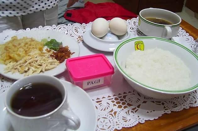 15. Endonezya: makarna, tavuk, yumurta, pilav, çorba, çay.
