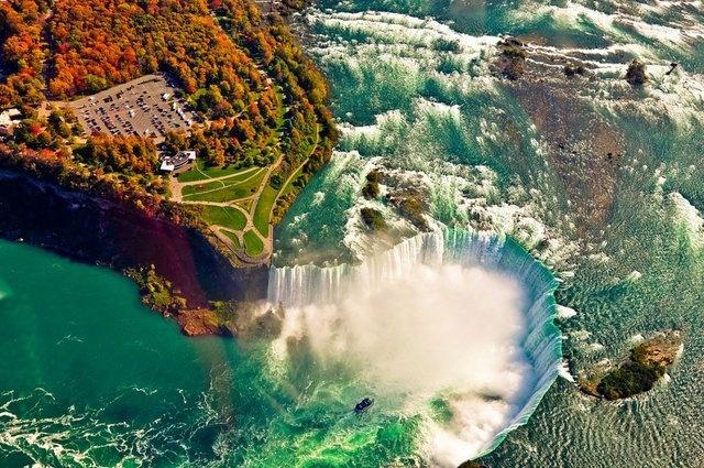 Business Insider dergisi, ölmeden önce mutlaka görülmesi gereken dünyanın en etkileyici 26 doğa harikasını sıraladı. Listede Türkiye'den de bir yer var. İşte Niagara Şelaleleri'nden Bromo Dağı'na, nefes kesici manzaralarıyla dünyanın dört bir yanından doğal güzellikler şöyle...  26. Niagara Şelalesi, Kanada