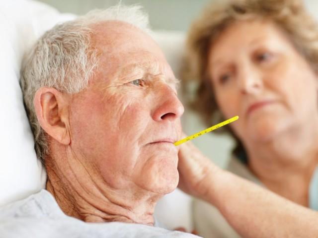 Rasmussen, ayrıca yaşlılığa bağlı olarak bağışıklık sisteminin zayıflamasıyla hastalıkla ilgili semptomların daha zor anlaşılabilir hale geldiğini vurgulayarak hastalara uyarıda bulundu.