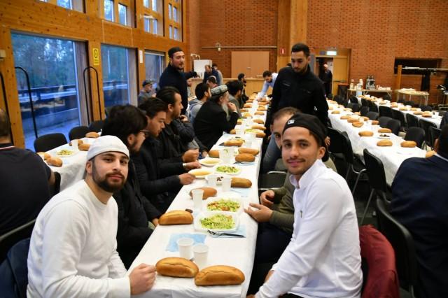 IGMG İsveç, Stockholm'de iftar verdi