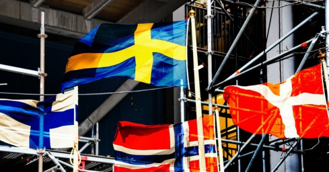 Yapılan bir araştırmaya göre, İsveçli emekliler Danimarkalı emeklilerin yarısı kadar bile maaş almadığı ortaya çıktı.  Genel olarak, İsveç emekli maaşları, İskandinav bölgesinin geri kalanıyla karşılaştırıldığında en düşük maaş olarak öne çıkıyor.  İsveç emeklilik reformu alanında doktora yapan Urban Lundberg, düşük emekli maaşları ile ilgili sorunun sisteme olan güveni baltaladığını söyledi.