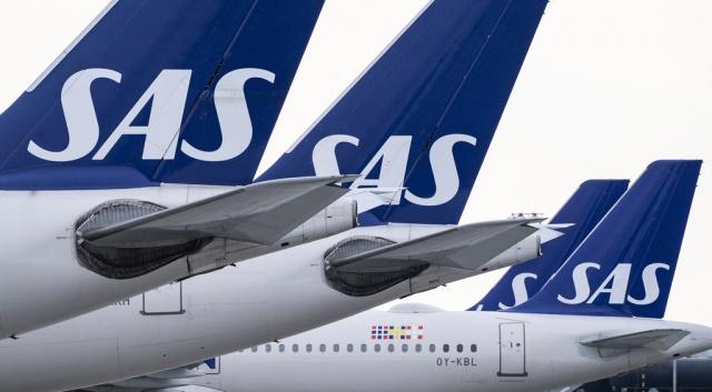 """""""Uygulamalarımıza girmeye başlayan bir şey ve sadece bir değil, birkaç tane var"""" diyen İsveç Tüketici Bürosu avukatı Fanny Forsling, bunun bir uçuşun iptal edilmesi ve tüm bilet tutarının geri ödenmemesi meselesi olduğunu söyledi.  İsveç Tüketici Dairesi SAS'ın iadeler konusunda yaptığı kesintileri hukuki şekilde açıklamasını talep ediyor."""