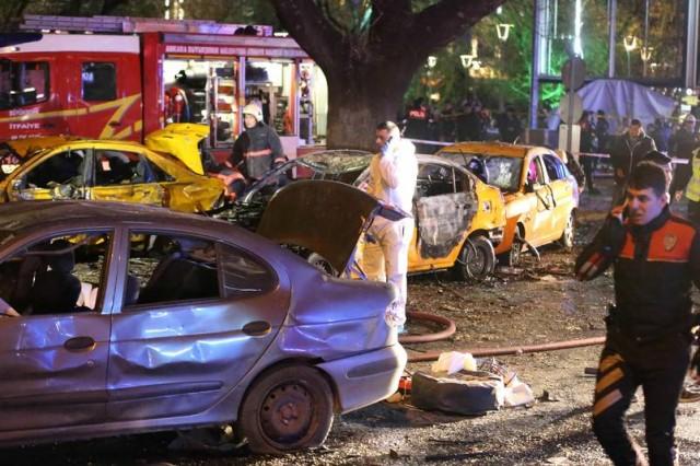 Ankara Kızılay'da meydana gelen patlamada Ankara Valiliği, biri polis 27 kişinin öldüğünü, 75 kişinin yaralandığını duyurdu