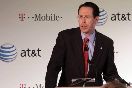 10. AT & T  Önemli bir şekilde daha da yıldırıcı olan durum, geçen yıldan beri markasının dört yatırımı geride bıraktığı telekom şirketi AT & T'ye benziyor. Bunu yapan Asyalı yeni gelenler değil, şirketin marka değeri de 2017'de yüzde 7 oranında düştü. Bu nedenle 2018 değeri 107 milyar dolar olarak sabitlendi.