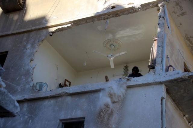 Rus savaş uçaklarının Halep'e düzenlediği hava saldırılarında çoğu çocuk 14 kişi öldü, 20 kişi yaralandı.