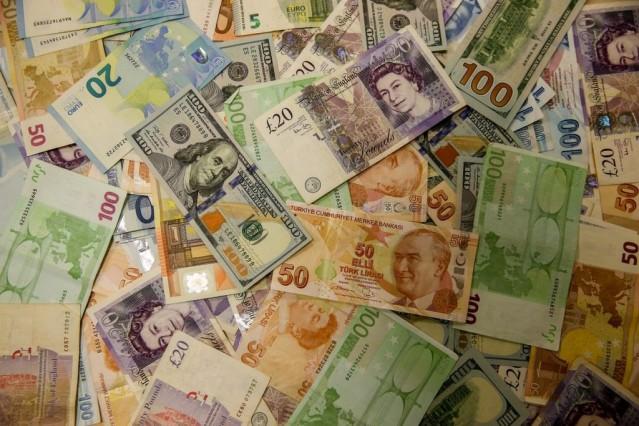 Toplam servetleri 30 trilyon dolar. Yaş ortalamaları 59. 5 bini bekâr, 6 bini dul, 7 bini ise boşanmış.