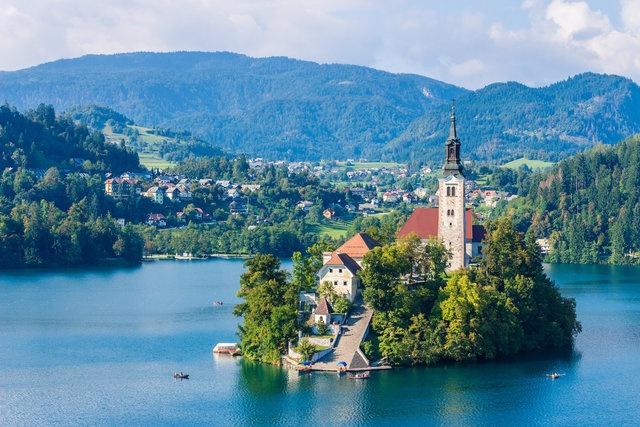 9. Bled Gölü - Ljubljana, Slovenya