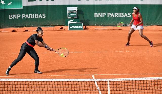 Geçen yıl listede yer alan tek kadın sporcu olan Serena Williams, doğum nedeniyle büyük turnuvaların birçoğuna katılamadı ve 18 milyon dolar'la listeye giremedi.