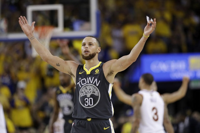 8 - Stephen Curry - 76.9 milyon dolar