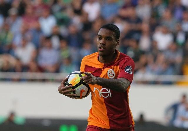 """HEDEFİ BAŞKA  İngilizler'in yıldız oyuncu için 1.3 milyon pound'luk bir teklifte bulunduğu ancak Rodrigues'in, """"Galatasaray Şampiyonlar Ligi'nde oynayacak... Ben de kendimi burada göstermek istiyorum"""" dediği öğrenildi."""