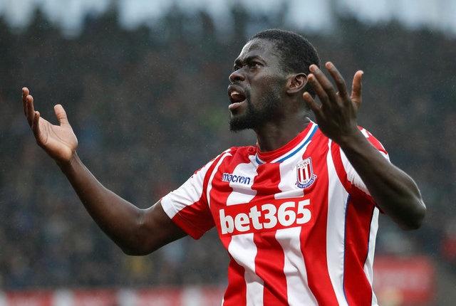 NDİAYE'NİN MENAJERİ AÇIKLADI  Geçtiğimiz sezonun devre arasında Stoke City'ye satılan ancak takımın Premier Lig'de küme düşmesinin ardından yeniden alınması için gündeme Badou Ndiaye'nin menajeri William D'Avfilla, Senegalli oyuncunun geleceğiyle ilgili konuştu.