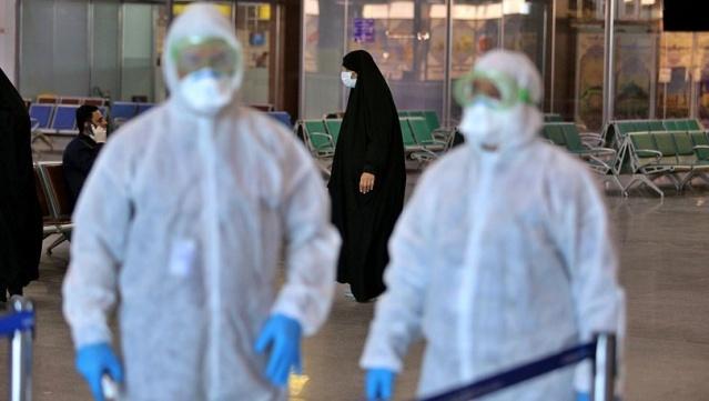 İran'dan gelen son dakika haberine göre, İran Sağlık Bakanı Nemeki karantina uygulamak zorunda kalmamak için koronavirüs tespit edilen 11 eyalette halka sokağa çıkmamaları çağrısında bulundu. Ayrıca koronavirüs (coronavirus) nedeniyle Fatıma-i Masume Türbesi'nde dini merasimlere sınırlama getirilirken, koronavirüsün yayılmasını engellemek için türbede dezenfekte işlemleri yapılıyor. Öte yandan İran hükümeti tedbir amacıyla okulları tatil ettiklerini ancak halkın okulların tatilini fırsat bilerek tatil bölgelerine gittiğini açıkladı. Son duruma göre, İran'da koronavirüs nedeniyle hayatını kaybedenlerin sayısının 15'e yükseldiği açıklanmıştı. İran Sağlık Bakanlığı 34 yeni kişide daha koronavirüs tespit edildiğini belirtirken, Irak Sağlık Bakanlığı ise Kerkük'te 4 kişide virüs tespit edildiğini duyurdu. Irak'taki enfekte kişilerin tamamının İran'dan gelen kişiler olduğu belirtildi