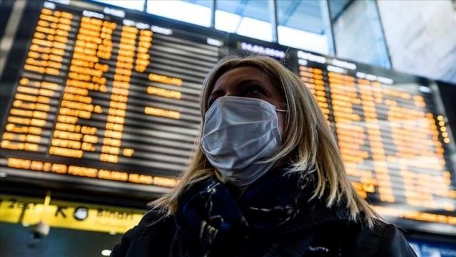 İspanya'nın güneydoğusundaki Kanarya Adaları grubundan Tenerife'de yaklaşık 1000 turistin bulunduğu bir otel, olası bir yeni tip koronavirüs (Kovid-19) salgını şüphesiyle karantinaya alındı.