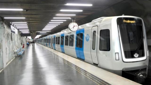 İsveç'te toplu taşımada daha çok insan alması için yeni tasarlanan metroların iç tasarımları dikkat çekiyor.
