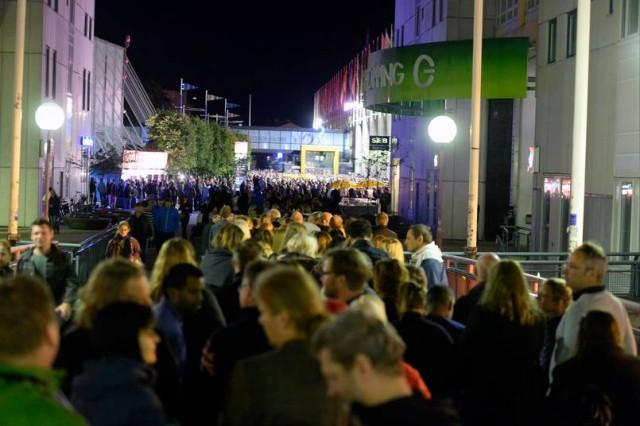 İsveç'te tetikçi konseri iptal ettirdi
