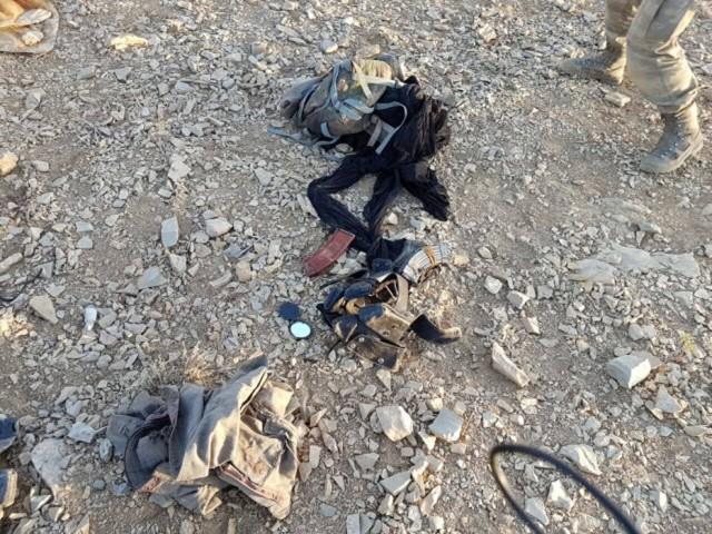 KARAYILAN TALİMAT VERDİ  Operasyonlarda terör örgütünün sınırdaki Ertuş Kampı'nın karşısında bulunan ve bir çok şehidin verildiği Çukurca'daki Kale Tepe'nin tamamen teröristlerden temizlendiği belirtildi. Güvenlik kaynakları, PKK'nın elebaşı Murat Karayılan tarafından Kale Tepe'nin güvenlik güçlerinin eline geçmemesi için bölgeye 200 PKK'lı gönderdiği ve bu teröristlerin çoğunun etkisiz hale getirildiği, yaralıların ise Kuzey Irak'a kaçırıldığı belirtildi.