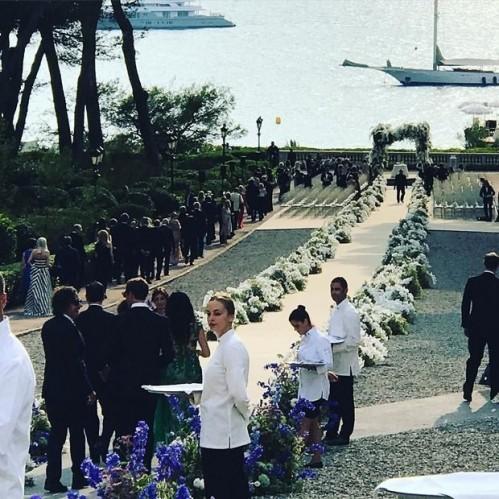 BEYAZ SARAY SEVİYESİNDE ÖNLEM  İsrailli sanayici ve koleksiyoner Jose Mugrabi'nin 46 yaşındaki oğlu Alberto Mugrabi ile evlenen Jordon'ın düğününde Beyaz Saray seviyesinde güvenlik önlemleri alındı.