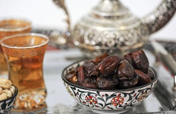 Peygamberimiz (a.s.m)' ın Ramazan ayından sonra en çok oruç tuttuğu ay Receb ayıdır. Bu Receb ayında oruç tutmanın muazzam, muhteşem sevabları var.