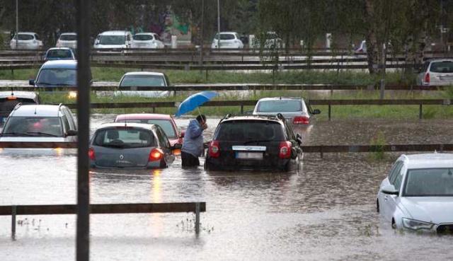 İsveç'in güney kuşağında bulunan Tranås'ta etkili olan sağanak yağış kaosa neden oldu.  Yerel basında çıkan haberlere göre, şiddetli yağış Tranås'ta büyük sele neden oldu.  Evleri su bastı, bodrum katları ve çok sayıda araba su altında kaldı.  100'den fazla ihbar yapıldı.  İsveç'in güneyini etkisi altına alan sağanak yağış Tranås'ta şiddetli sele neden oldu.
