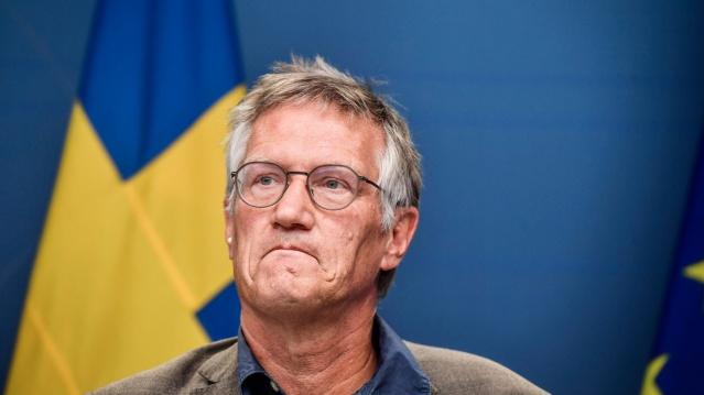 İsveç'te koronavirüs salgınıyla ilgili bilgi akışı haftanın dört günü verilirken, bugün haftanın son işgünü olarak veriler güncellendi.  Halk Sağlığı Kurumu'nun internet sitesinde güncellediği verilere göre, son bir günde 4 bin 144 yeni vaka tespit edilirken, 59 kişi daha yaşamını yitirdi.