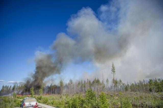 Polis merkezi yönetim görevlisi Mats Länn orman yangınının kontrolsüz bir şekilde büyüyor ifadeleri kullandı.