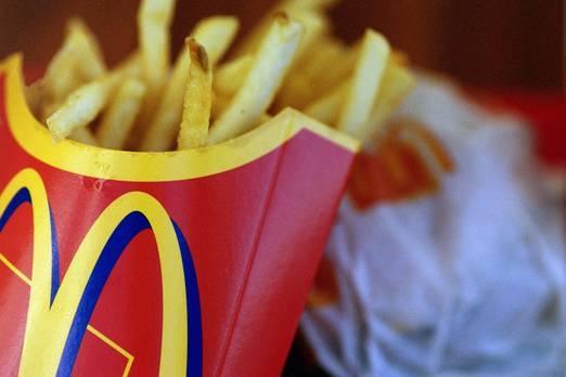 8. McDonalds  Teknoloji ve perakendeciler arasında garip bir kuş, markası 2017'den beri iki yatırıma çıkmış olan fast food zinciri McDonalds'tır. Bugün yüzde 29'luk bir artış, markanın bugün yaklaşık 126 milyar dolar değerinde olmasına neden olmuştur.